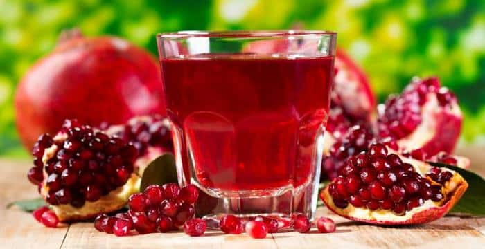 pomegranate juice - Discover 7 Foods That Will Make You Look Younger